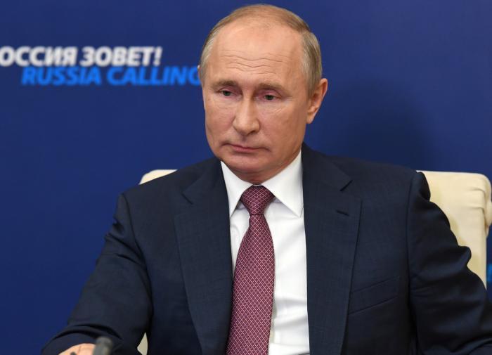 """Путин: у России нет """"доброй тёти"""", поэтому карантин вводить не будем"""