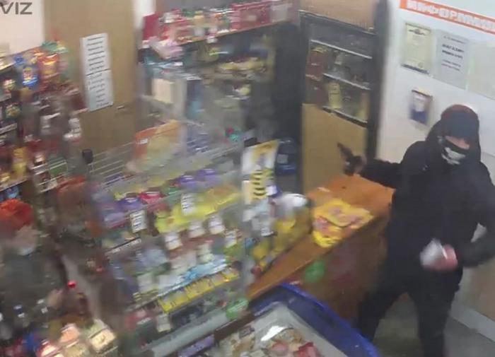 Жизнь продавщицы спас обычный кулон
