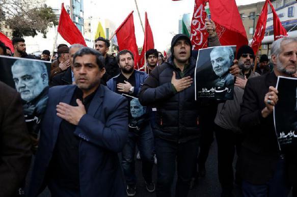Противостояние США и Ирана выгодно России