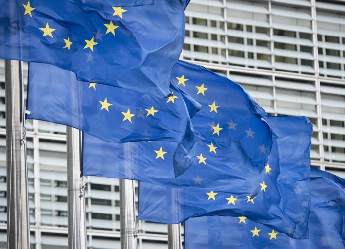 """Эксперт: после саммита ЕС Британия """"кусает локти"""""""