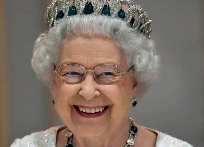 Елизавета II намекнула, что готова простить принца Гарри и Меган Маркл