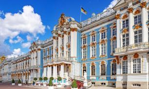Число иностранных туристов в Петербурге увеличилось на 22%
