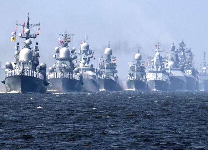 Адмирал Комоедов описал ответ РФ в случае удара США по Черноморскому флоту