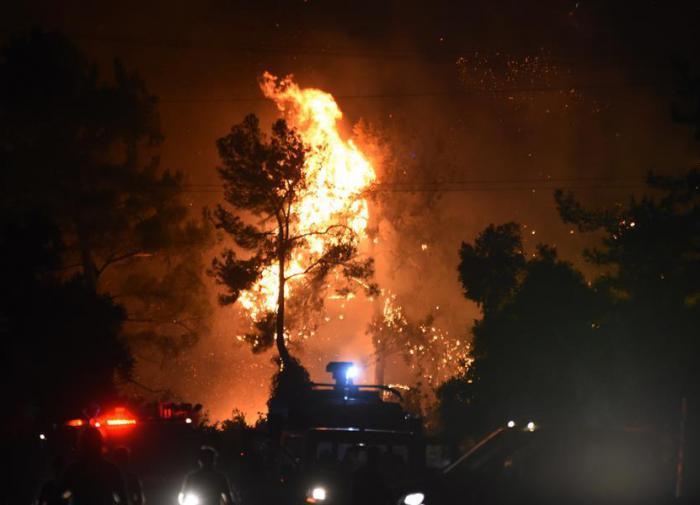 В Белграде загорелся один из крупнейших торговых центров
