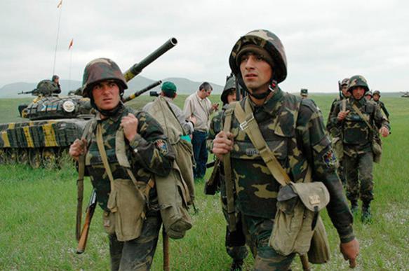"""СМИ: Азербайджан обстреливает из """"Градов"""" город  Мартакерт"""