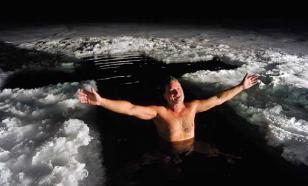 Десять тысяч искупались в Ленобласти на Крещение