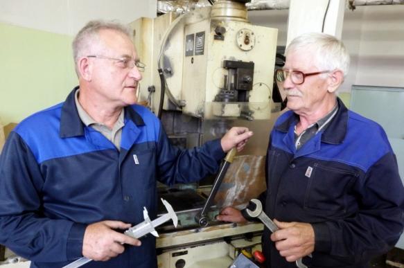 Пенсионеры могут получить работу преимущественно в промышленности и строительстве - исследование