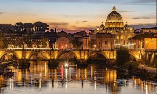 Прилавки с сувенирами уберут подальше от достопримечательностей Рима