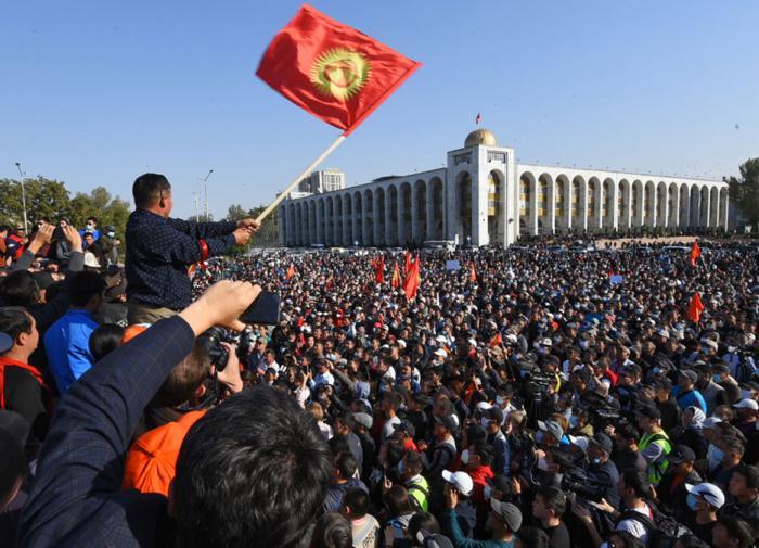 Сариев: при молодых реформаторах Киргизию ждет путь Армении и Грузии