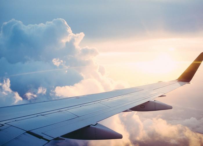 Из-за смерти пассажирки самолёт, летевший в Лондон, совершил экстренную посадку