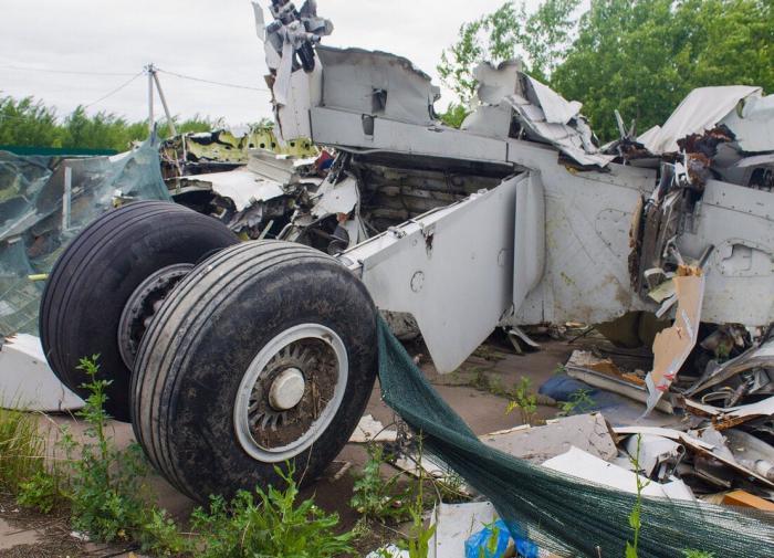 Обломки Boeing A321, севшего в кукурузном поле, до сих лежат на месте аварии