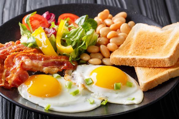 Американские кардиологи: пропуски завтраков увеличивают риск инсульта и проблем с сердцем
