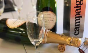 Гастроэнтеролог предупредил об опасности шампанского