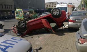 В Подмосковье машина с пассажирами рухнула с 8 этажа