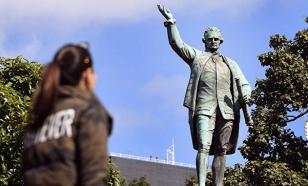 Вандалы осквернили памятник Джеймсу Куку в Австралии