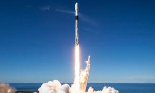 SpaceX вывел на орбиту ракету-носитель Falcon 9 с 60 мини-спутниками Starlink