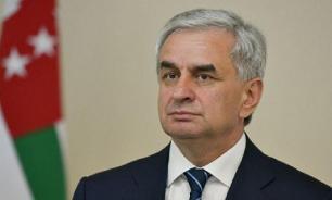 Хаджимба не будет участвовать в повторных выборах президента Абхазии