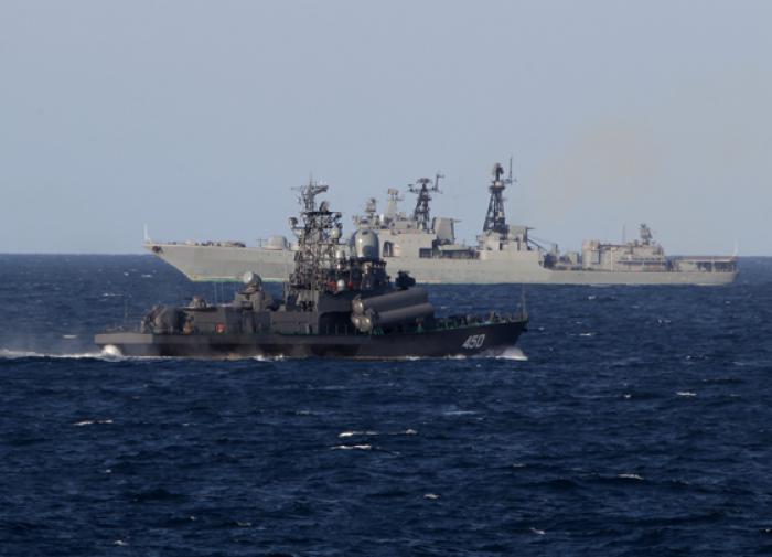 Британский эсминец поплатился за попытку прохода у Крыма