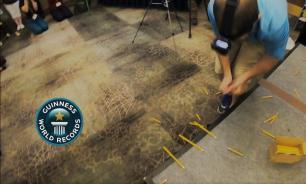 Американец сломал 98 карандашей и попал в Книгу рекордов Гиннесса