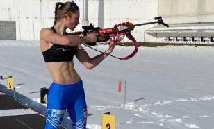 Биатлонистка Казакевич показала жаркую тренировку в одном топе