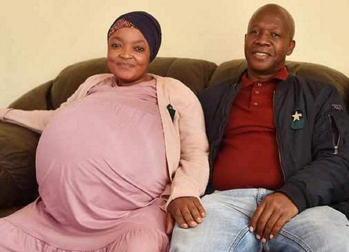 Женщина в ЮАР родила сразу десять детей