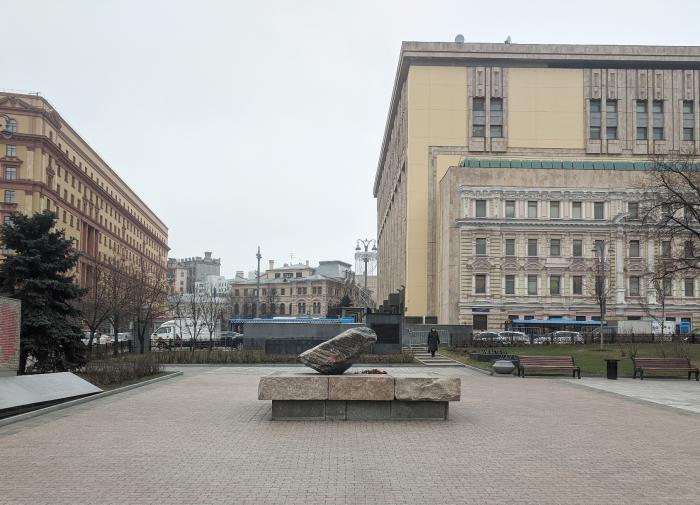 Невский против Дзержинского: чей памятник появится на Лубянке?
