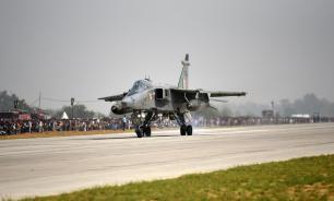 В Индии пилот сбросил муляжи бомб на город после столкновения с птицей