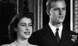 Елизавета II оставила на гробе принца Филиппа трогательное письмо