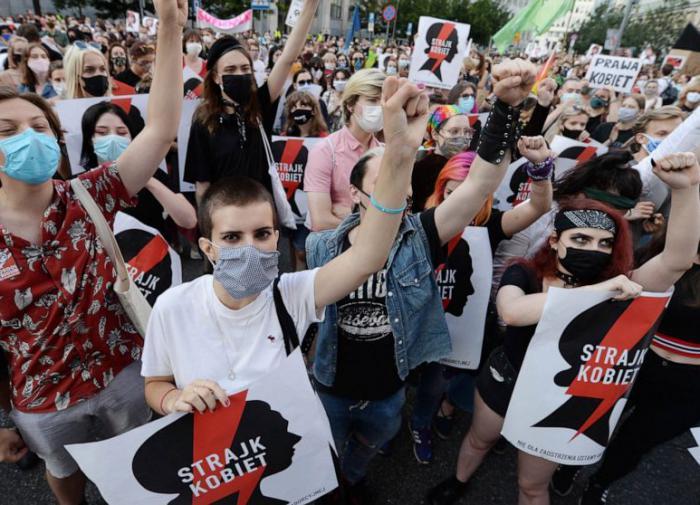 Лукашенко: Польша наступила в собственный капкан, роя мне яму