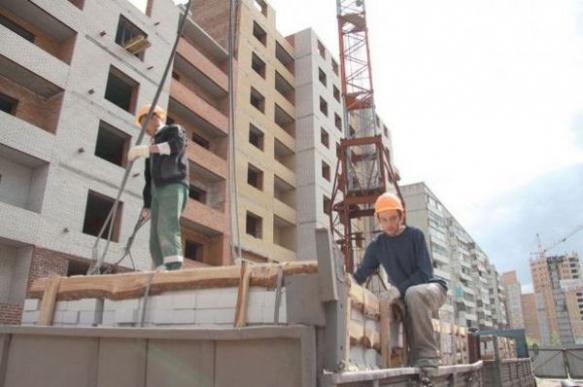 Дольщиков предупредили о задержке строительства в Красноярске
