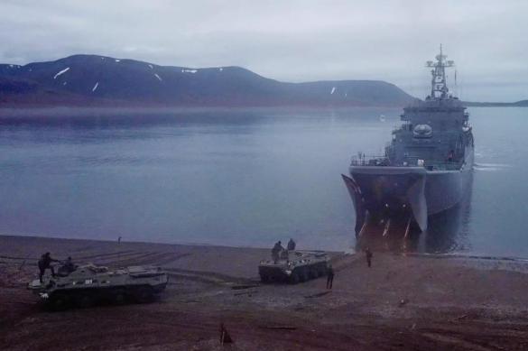 Морпехи Северного флота отработают высадку на побережье в Арктике