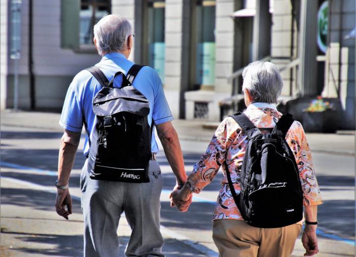 Россияне перечислили блага, которые хотели бы иметь на пенсии