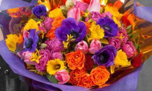 Дорога ложка к обеду, а цветы к 8 марта