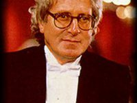 Автор музыки к  Бондиане  умер от инфаркта