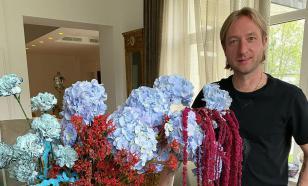 Плющенко показал, где и как живут его воспитанники