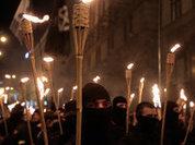 США - Киеву: Наденьте трусы, прикройте свастику