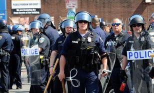 С полицейских Балтимора суд не снял обвинения в убийстве афроамериканца