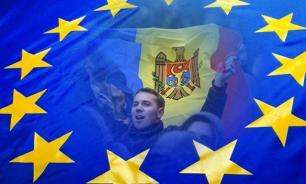 """Война в Молдавии началась с """"войны флагов"""""""