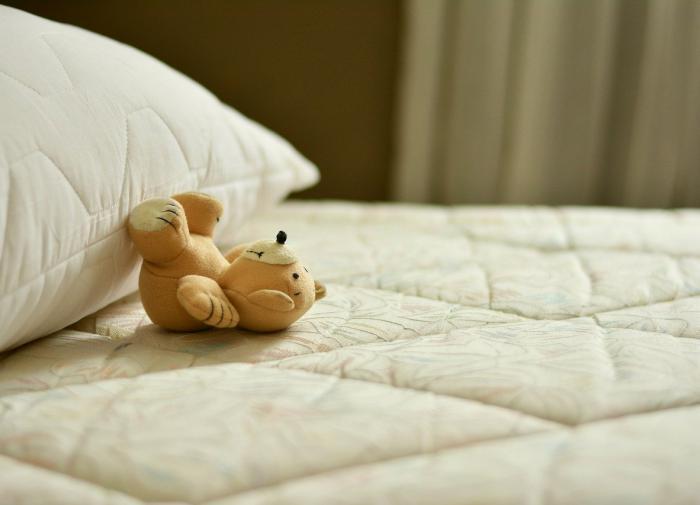 Спать на старых подушках может быть опасно для здоровья