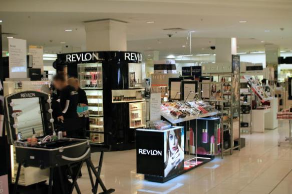 Дерматолог: как безопасно пользоваться тестерами в магазинах косметики