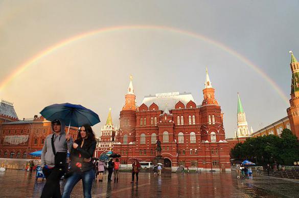 МЧС предупредило жителей Москвы о грозе с градом в пятницу