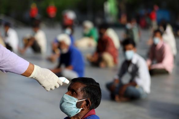 В Индии, где пандемия набирает обороты, опасаются коллапса экономики