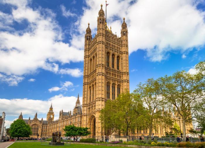Британия намерена сохранить влияние на мировую политику