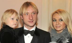 Сыну Рудковской и Плющенко угрожают убийством