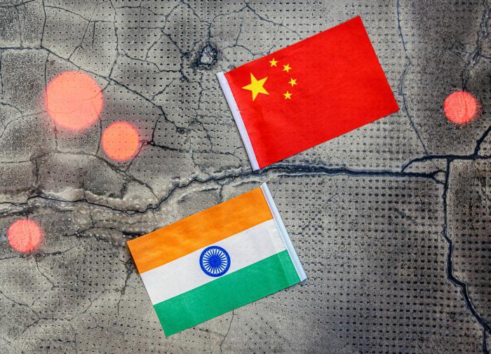 Индийские власти нанесли удар по китайским мобильным приложениям