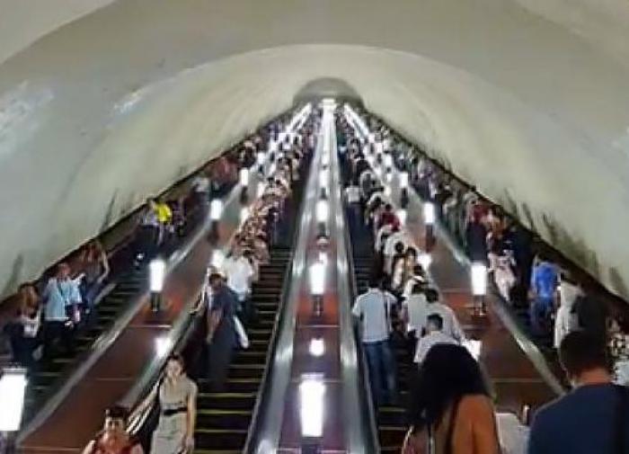 Около 200 тысяч человек на этой неделе вернулись на работу в столице
