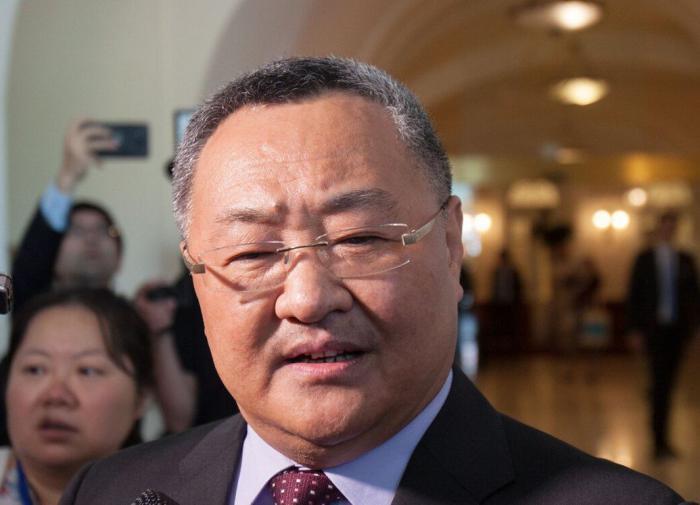 Китайская народная республика  неведет переговоры сРоссией, аконсультируется— МИД Китая