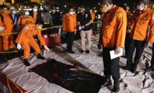 В Индонезии обнаружены чёрные ящики разбившегося самолёта