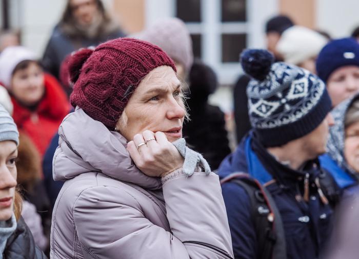 """Россияне не хотят протестовать и бояться """"лихих 90-ых"""""""