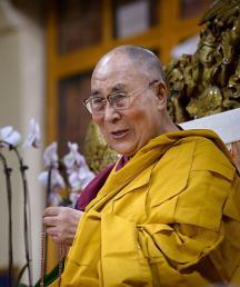 МИД Китая не одобрил намерение Далай-ламы переродиться в Индии